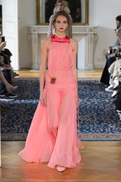 You're About to Fall in Love With Valentino's Spring '17 Lineup
