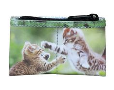 Coin purse for cat lovers Gifts For Pet Lovers, Cat Gifts, Cat Lovers, Cat Purse, Magazine Pictures, Cat Makeup, Printed Bags, Wallets For Women, Cats And Kittens