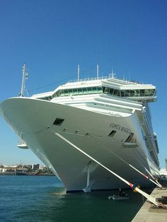 El crucero Costa Magica en el Muelle de Santa Catalina del Puerto de Las Palmas de Gran Canaria