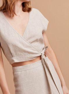 Awesome 49 Charming Womens Summer Minimalist Style Outfits Ideas To Try This Season 70s Fashion, Look Fashion, Fashion Outfits, Fashion Design, Fashion Today, Modest Fashion, Trendy Fashion, Korean Fashion, Fashion Ideas