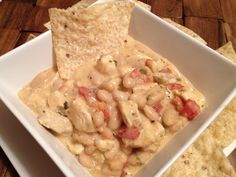 Yummy White Chicken Chili! CarolinaFoodStorage.com #foodstorage #recipe