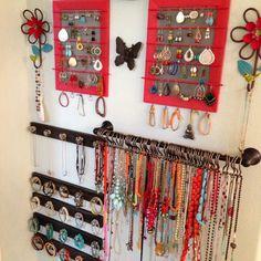 organizing jewlery