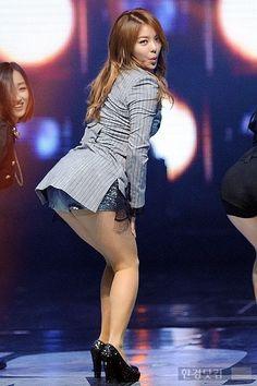 perving on female kpop : Photo Ailee, Korean American, Korean Name, Korean Music, American Singers, Kpop, Female, Concert, Concerts