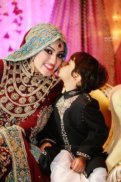 Hijabi Bride | Photo by Amna Hakim