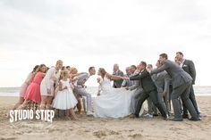 #bruidsfoto #bruidsfotografie #hellevoetsluis #groepsfoto #trouwfoto trouwen-rockanje-view