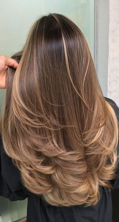 Most Popular Blonde Hair Color Looks for 2020 Stylesmod - - blonde color hair looks popular stylesmod # Brown Hair With Blonde Balayage, Brown Hair With Caramel Highlights, Hair Color Balayage, Subtle Highlights, Blonde Color, Blond Hair Colors, Blond Brown Hair, Blonde Balayage Highlights On Dark Hair, Hair Color Brown