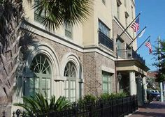 Hampton Inn & Suites Savannah Historic District Hotel, GA - Hotel Exterior View 603 West Oglethorpe Avenue