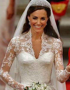Catherine, Duchess of Cambridge's Royal Wedding Gown made by Sarah Burton for Alexander McQueen was covered in absolutely stunning white lace! Kate Wedding Dress, Kate Middleton Wedding Dress, Wedding Dress Trends, Wedding Gowns, Lace Wedding, Bridal Lace, Wedding Bride, Royal Kate Middleton, Princesa Kate Middleton