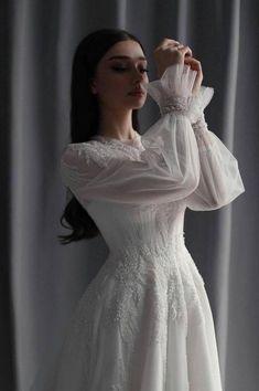 Muslimah Wedding Dress, Muslim Wedding Dresses, Top Wedding Dresses, Wedding Dress Sleeves, Bridal Dresses, Wedding Gowns, Pretty Dresses, Beautiful Dresses, Fairytale Dress