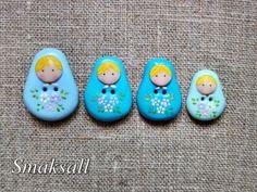 ravissantes petites poupées Russes, ces petits boutons feront des merveilles sur vos créations, pour égayer une broche,un bijoux, une trousse, un sac ...  entièrement modelé - 1533069