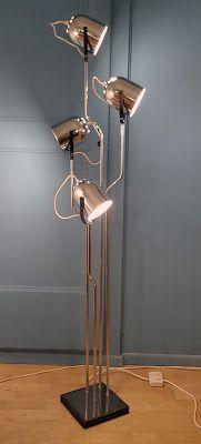 Lampadaire Reggiani, Italie, 1970 Vevey, Vintage Design, Boutique, Lighting, Home Decor, Floor Lamps, Italy, Decoration Home, Room Decor