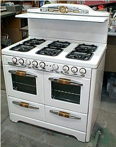"Gas stove- vintage looking.  I""d love this!"
