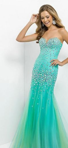 i love the color of this dress!
