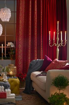 Looking for cute Christmas curtains online? Here you get 10 fab Christmas curtains on a budget that your windowns want badly. Best Interior Design, Interior Design Inspiration, Home Decor Inspiration, Interior Decorating, Christmas Inspiration, Decor Ideas, Living Room Furniture Arrangement, Living Room Decor, Bay Window Curtain Rod