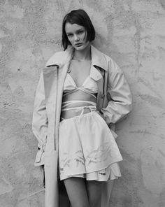 Vogue_Russia_May_2017_by_Ben_Weller__1_.jpeg (760×956)