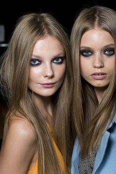2014 yılında küllü saç renkleri trend olmaya devam ediyor. Özellikle de küllü açık kumral, küllü koyu kumral, küllü koyu sarı, küllü açık sarı, küllü kahve