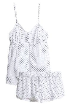 30 Perfect Pairs Of Pajamas For Your Next Netflix Marathon #refinery29 http://www.refinery29.com/cute-fall-pajamas#slide-13