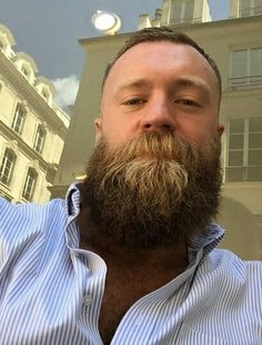 A healthy appreciation for the Bearded Community and it's majestic beards. Edited photos from around cyber-space. Walrus Mustache, Beard No Mustache, Great Beards, Awesome Beards, Beard Styles For Men, Hair And Beard Styles, Moustaches, Hairy Men, Bearded Men