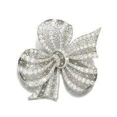 Diamond brooch, Hennell, Circa 1913