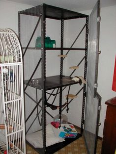 I have DIY rat cage envy.