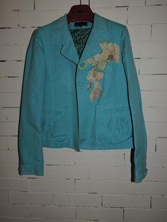 Je viens de mettre en vente cet article  : Blazer, veste tailleur Kenzo 50,00 € https://www.videdressing.com/blazers-vestes-tailleurs/kenzo/p-6862137.html?utm_source=pinterest&utm_medium=pinterest_share&utm_campaign=FR_Femme_V%C3%AAtements_Manteaux+%26+Vestes_6862137_pinterest_share