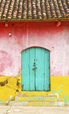 Find your favorite eccentric facade, window or door in Granada. Each element evokes a sort of beauty and sentimentalism of worn down ages. You don't get this stuff in a week- that's colonial Granada, Nicaragua. Cool Doors, Unique Doors, Design Set, Closed Doors, Doorway, Belize, Windows And Doors, Kitsch, Color Inspiration