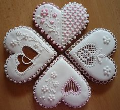Srdíčko Heart Cookies, Iced Cookies, Royal Icing Cookies, Cake Cookies, Valentines Day Cookies, Christmas Sugar Cookies, Gingerbread Cookies, Biscuit Decoration, Cookie Designs