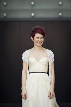 I love the aweeheart neckline! This bride looked amazing in her gorgeous shrug and Sarah Seven gown! Photography by cleanplatepicture...