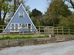 Having something for everyone, this ideal family lodge is a comfortable, welcome retreat into the country.