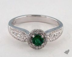 Green Emerald engagement ring in 18K White Gold - 0.24ct  - Green