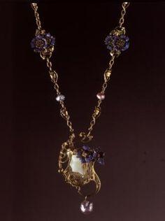 Raspberry pink tourmaline blue sapphire diamond pendant reine lalique fleurs et capsules de pavot flowers and poppies c1989 99 mozeypictures Choice Image