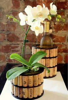 Cool DIY wine cork crafts and decorations When Home deco and DIY need inspiration Cool DIY wine cork crafts and decorationsCool DIY wine cork crafts and decorationsCool DIY wine cor Wine Craft, Wine Cork Crafts, Wine Bottle Crafts, Diy Craft Projects, Wine Cork Projects, Upcycling Projects, Plant Projects, Craft Ideas, Fall Projects