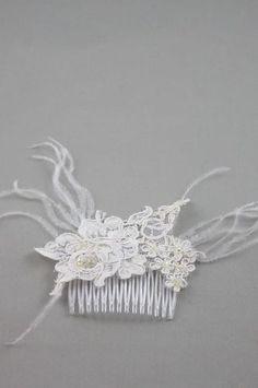 Peigne cheveux mariage en dentelle ivoir pour la mariée 27,50€