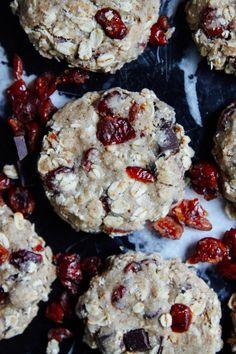 This Rawsome Vegan Life: CHOCOLATE CHUNK CRANBERRY COOKIES