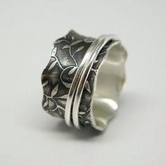 Leaf Pattern Sterling Silver Spinner Ring ($110)