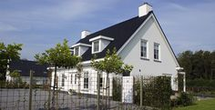Woonhuis familie Hasselaar - Z-wonen White Brick Houses, Origami Yoda, House Plans, Room Decor, Contemporary, House Styles, Nice, Exterior, Home