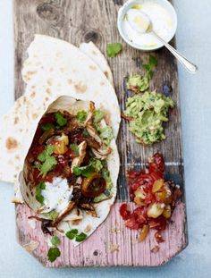 Chicken fajitas with guacamole | Jamie Oliver | Food | Jamie Oliver (UK)