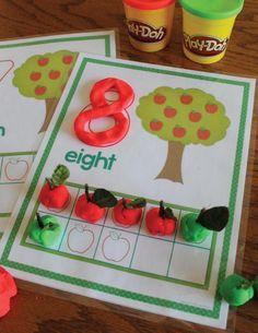 Preschool Weekly Themes, Preschool Apple Activities, Preschool Apple Theme, Preschool Centers, Counting Activities, Preschool Art, September Preschool Themes, Kindergarten Math Activities, Preschool Projects