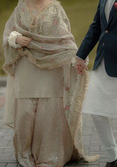 Stylish Dresses For Girls, Stylish Clothes For Women, Stylish Dress Designs, Wedding Dresses For Girls, Pakistani Fashion Party Wear, Pakistani Wedding Outfits, Pakistani Wedding Dresses, Asian Bridal Dresses, Simple Pakistani Dresses