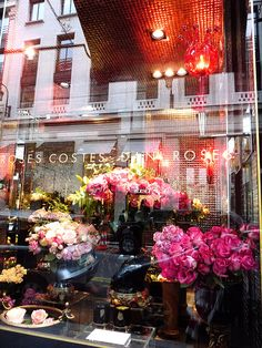 Hotel Costes rose shop.. you can't help but stop & look when you walk by this Florist it is AMAZING!