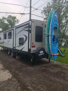 Kayak Rack For Car, Beach Camper, Rv Camping Tips, Lego City Sets, Car Racks, Kayak Storage, Kayak Accessories, Boat Stuff, Rv Trailers