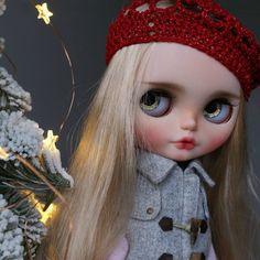 Little star⛄❄ #blythe #dolls #aĺmonddoll #custom #blythe #ooakblythe #dollcustom #blythecollector #blythecustom #almonddollcustom #kawaii #bigeyes #almonddollart #blythephotography #toyartistry_elite #dollartistry #blythedoll #fa