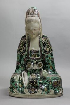 Chinese seated biscuit figure of Guanyin, Kangxi ( Ref: V923  Chinese seated biscuit figure of Guanyin, Kangxi (1662-1722), height: 8 5/8in. 22cm.