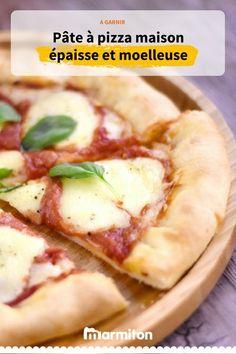 Vous aimez lorsque la pâte à pizza est épaisse moelleuse ? Cette recette de pâte à pizza est faite pour vous. #pizza #recettepizza #pateapizza #patepizza #recettemarmiton #recette #cuisine #marmiton