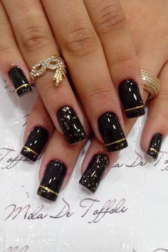 Chic black nails & manicure ideas for spring 2013 Black & Gold NailsBlack & Gold Nails New Year's Nails, Great Nails, Fabulous Nails, Gold Nails, Black Nails, Cute Nails, Line Nail Designs, Art Designs, Sophisticated Nails