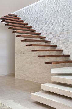Image 8 of 84 from gallery of Portobello House / Tripper Arquitetura. Photograph by Denilson Machado - MCA Estudio Home Stairs Design, Railing Design, Interior Stairs, Modern House Design, Home Design, Modern Houses, Metal Barn Homes, Pole Barn Homes, Rustic Stairs