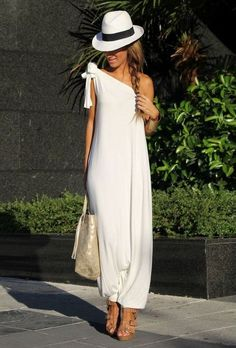 Discover and organize outfit ideas for your clothes. Decide your daily outfit with your wardrobe clothes, and discover the most inspiring personal style Ibiza Fashion, Women's Summer Fashion, Look Fashion, Fashion Clothes, Fashion Outfits, Bikini Fashion, Beach Fashion, Ibiza Outfits, Casual Outfits