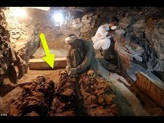 Luxor 3,500 yr old tomb of goldsmith with family discovered.
