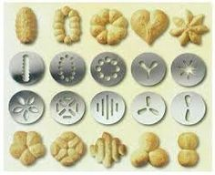 Different styles of biscuits made with the different metal plates for the cookie press. Biscuit Cookies, Biscuit Recipe, Cake Cookies, Cupcakes, Spritz Cookies, Galletas Cookies, Easter Cookies, Thumbprint Cookies, Cookie Desserts