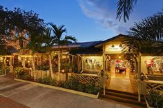 Reserve a table at Tommy Bahama Restaurant & Bar, Naples on TripAdvisor: See 1,725 unbiased reviews of Tommy Bahama Restaurant & Bar, rated 4.5 of 5 on TripAdvisor and ranked #30 of 930 restaurants in Naples.